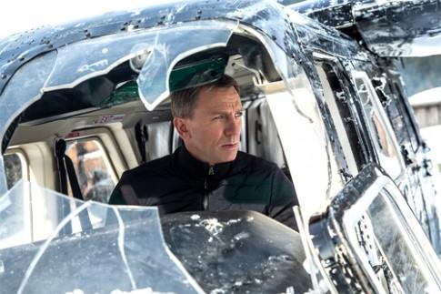 Phim James Bond pha dan xe sang gia 37 trieu USD