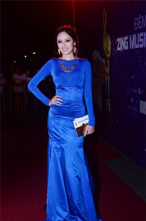 Sao Việt với 3 sắc xanh quyền lực nhất hè