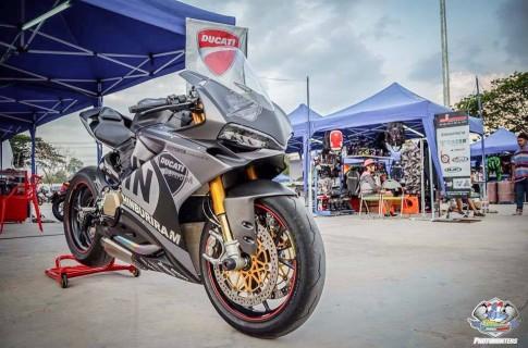 Siêu phẩm Ducati 1299 Panigale trong gói độ đầy giá trị