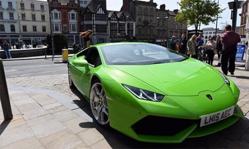 Sieu xe Lamborghini Huracan lam taxi