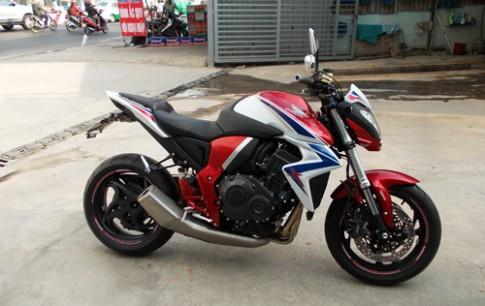 Suc hut cua Kawasaki Z1000 va Honda CB1000R o Viet Nam