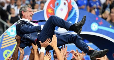 Than linh oi! Fernando Santos: Thay Ronaldo, con thuc dung hon ca... Mourinho