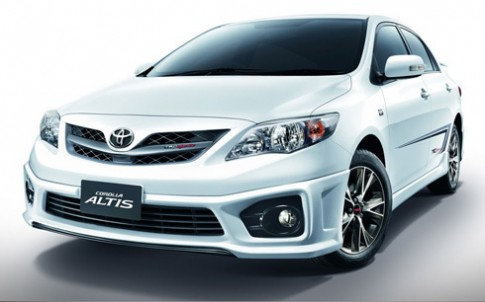 Toyota gioi thieu Altis TRD 2013