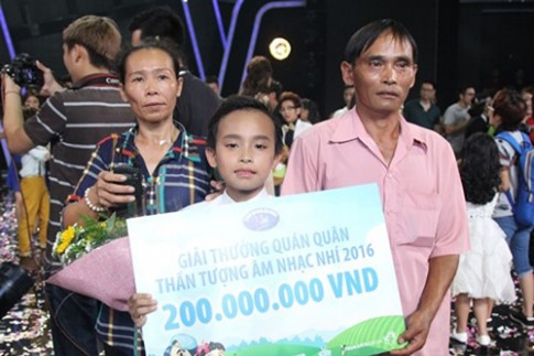 Vietnam Idol Kids 2016: Ho Van Cuong doat Quan quan nho… nuoc mat khan gia?