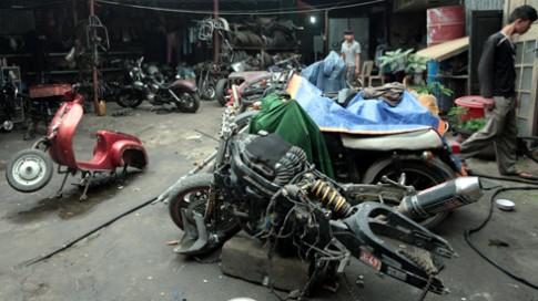 Xuong 'phau thuat tham my' moto o Ha Noi