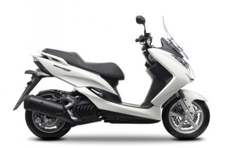 Yamaha Majesty S 125 doi thu moi cua Honda PCX 125