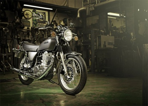 Yamaha SR400 moi - su tro lai cua huyen thoai