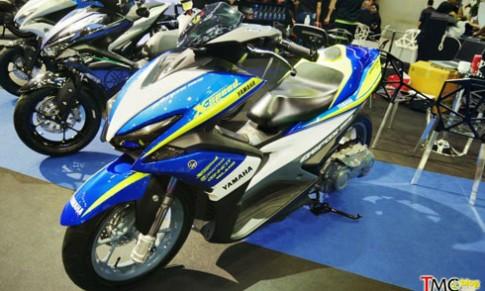 Yamaha trinh lang NVX 155 do chinh hang