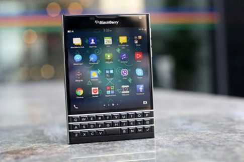 BlackBerry Passport gia re tran ve Viet Nam