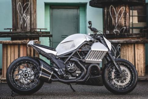 Ducati Diavel do la phong cach tuong lai