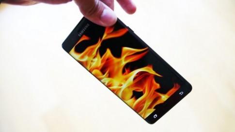 Galaxy Note 7 thay moi van qua nong