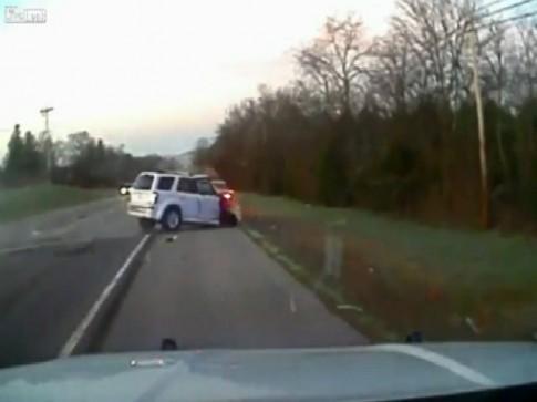Ôtô 'điên' náo loạn cao tốc Mỹ