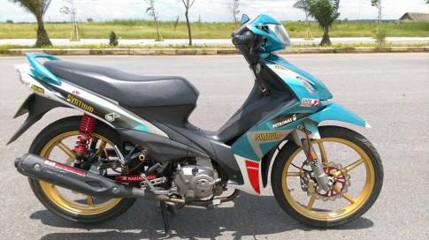 Axelo Syntium Petronas - con gio la thoang qua