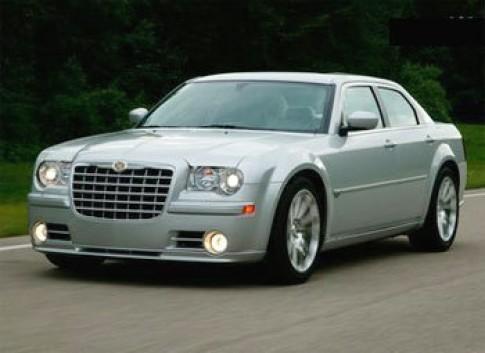 Chrysler thu hồi xe C300