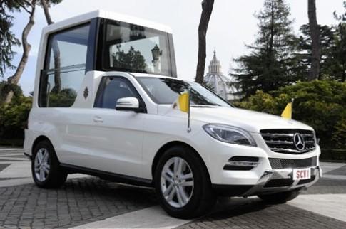 Duc giao hoang su dung xe Mercedes-Benz M-Class