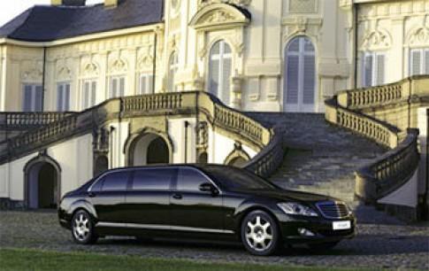 Mercedes tung ra xe S600 bọc thép mới