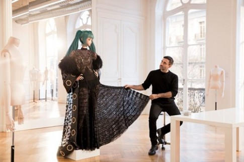 Riccardo Tisci chia tay Givenchy