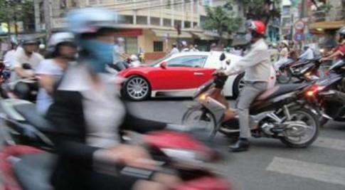 Sieu xe o Viet Nam len bao nuoc ngoai