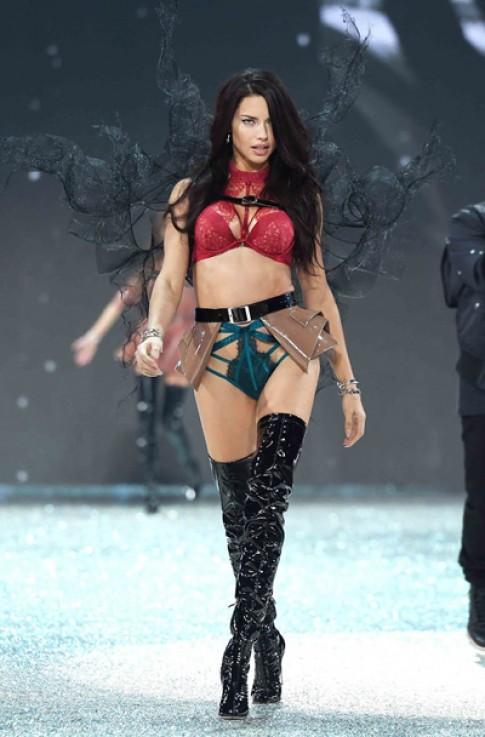 Adriana Lima luon nam trong top sieu mau kiem tien nhieu nhat