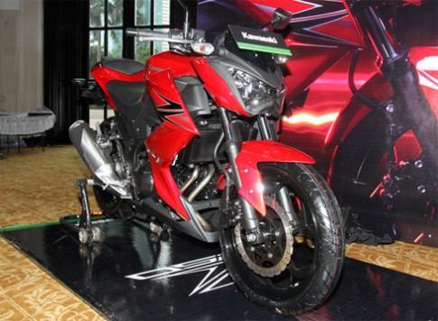 Anh chi tiet Kawasaki Z250 2013
