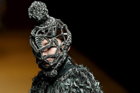 Cong Tri ra mat do couture o Tokyo Fashion Week