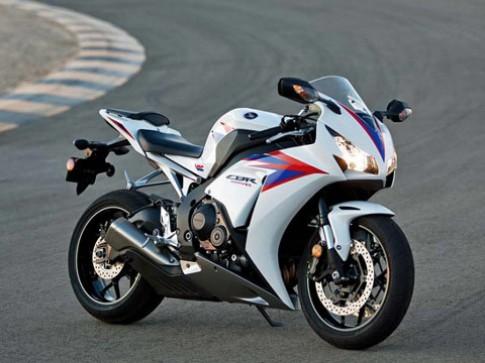 Honda trinh lang CBR1000RR 2012