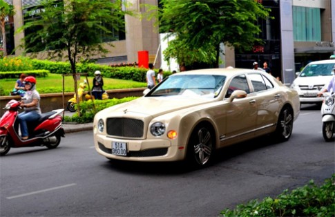 Bentley sap mo dai ly tai Viet Nam