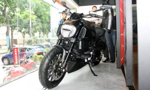 Ducati Diavel 2015 co gia 670 trieu dong
