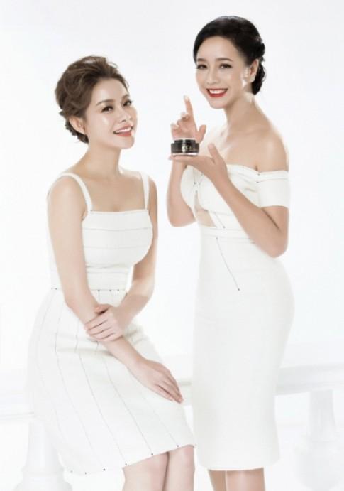 Hoa hau Hai Duong khoe da trang min ben NSUT Chieu Xuan