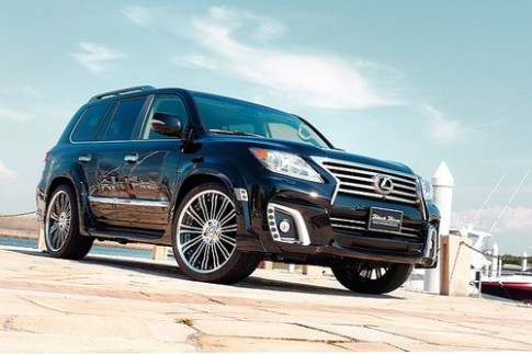 Lexus LX570 do Black Bison ham ho
