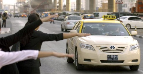 Tai xe taxi Dubai hay bi quyt tien