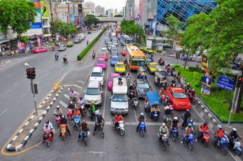 Thi bang lai Thai Lan kho nhu dai hoc o Viet Nam
