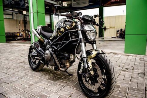 Tho Sai Gon ve Ducati Monster ran ri la mat