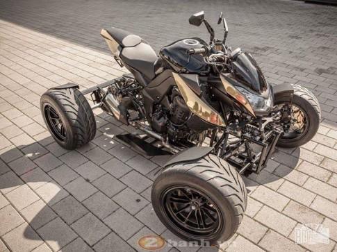 Ao dieu voi Kawasaki Z1000 do 4 banh cuc kho