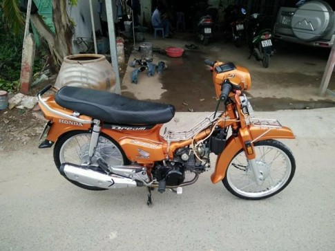 Dream Thai con tay cam Z1000 len san