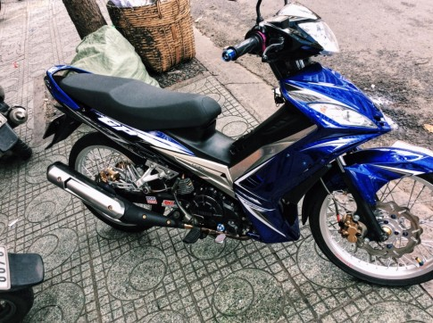 Exciter 135 phong cach zin bao anh phai nguoc nhin .