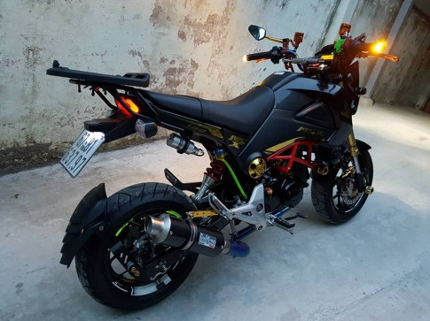 Honda MSX day phong cach voi ban do di tour