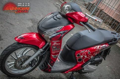 Honda SH doi mau phong cach Red Candy cua ong chu Decal