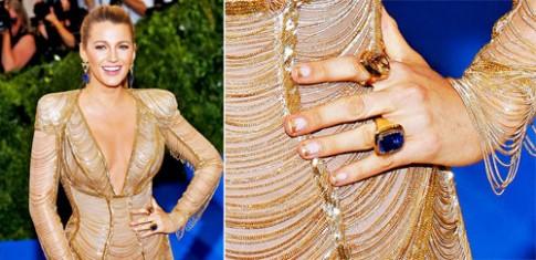 Jennifer Lopez, Blake Lively phủ vàng lên móng tay tại Met Gala