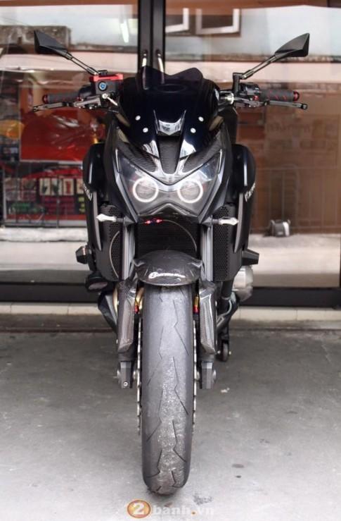 Kawasaki Z800 hung han voi doi mat quy du