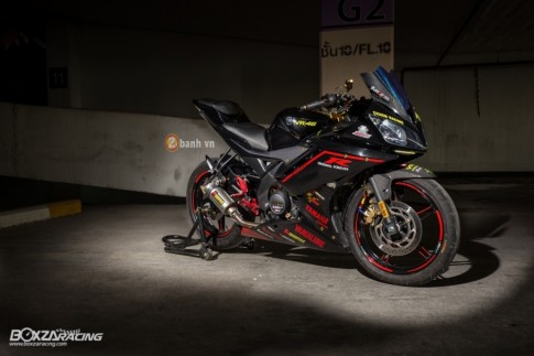 Yamaha R15 hut hon trong ban do cuc chat
