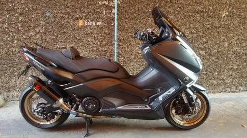 Yamaha TMax cuc ki an tuong voi dan do choi tren xe