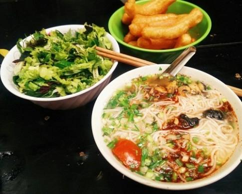 5 hàng bún ốc luôn đông khách ở Hà Nội