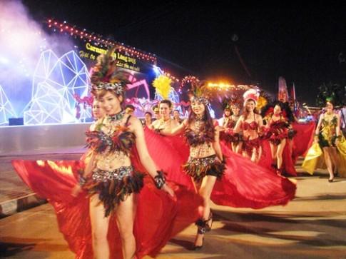 Carnaval Ha Long 2016 khong to chuc dieu hanh xe mo hinh
