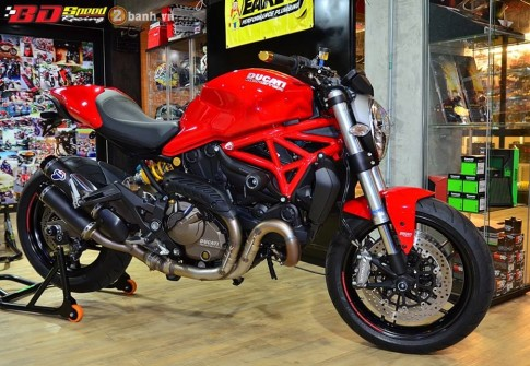 Ducati Monster 821 cuc chat ben dan do choi hang hieu