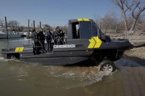 Gibbs Humdinga - xe tải đa năng chống sóng thần