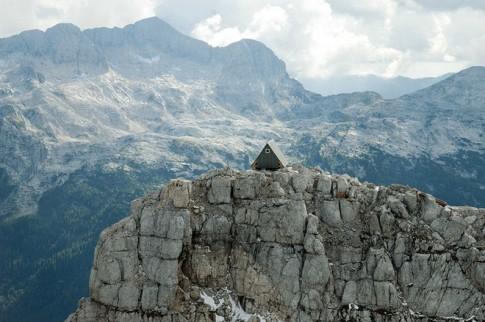 Khách sạn miễn phí chờ khách trên đỉnh núi 2.500 mét