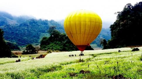 Ngắm Mộc Châu từ khinh khí cầu với 150.000 đồng