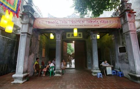 Ngoi dinh lon nhat pho co duoc Tong thong Phap ghe tham