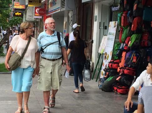 Phí visa cho du khách Mỹ vào Việt Nam tăng gấp 5 lần